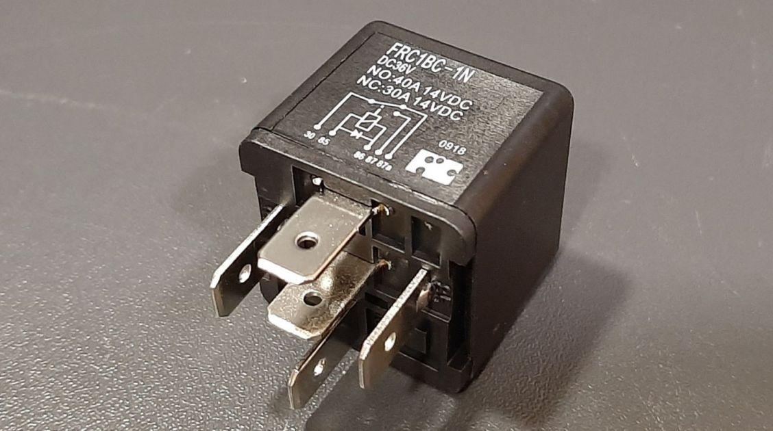 relej relay 36V 36 V