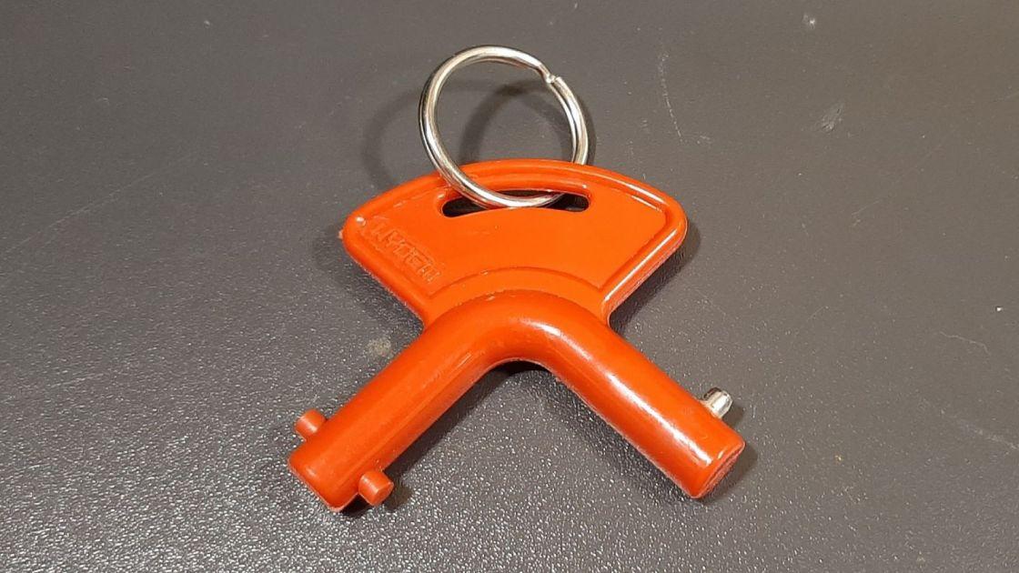 prekidač baterije na ključ